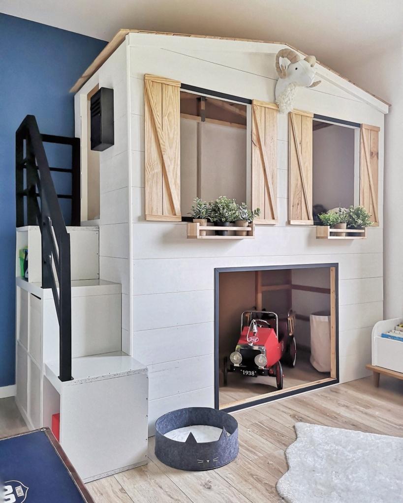 Lit Au Milieu D Une Chambre un lit cabane fait maison – château leg0
